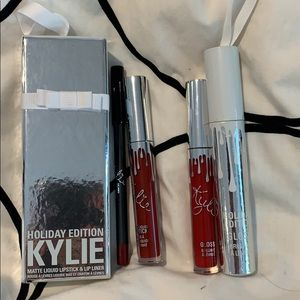 Kylie Cosmetics Makeup - Kylie Cosmetics Holiday Edition lipstick and gloss